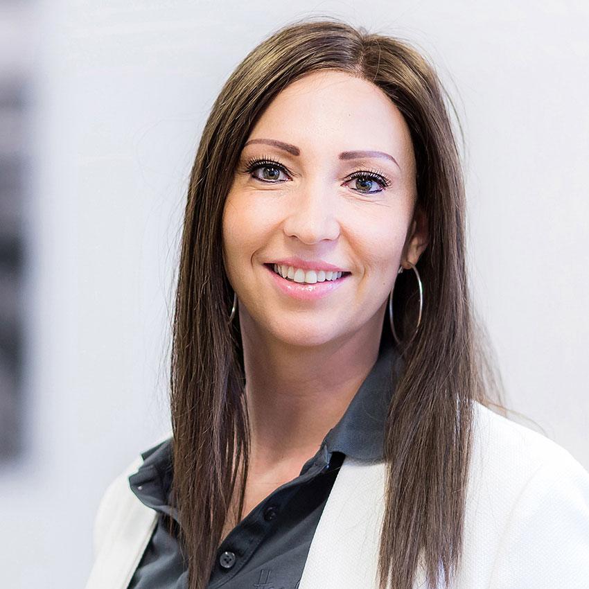 Natalie Lang, Headdress Linz